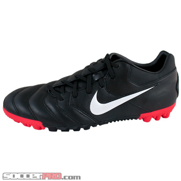 Nike 5 Bomba Pro Black, Side View