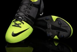 Nike Green Speed Soccer Cleats