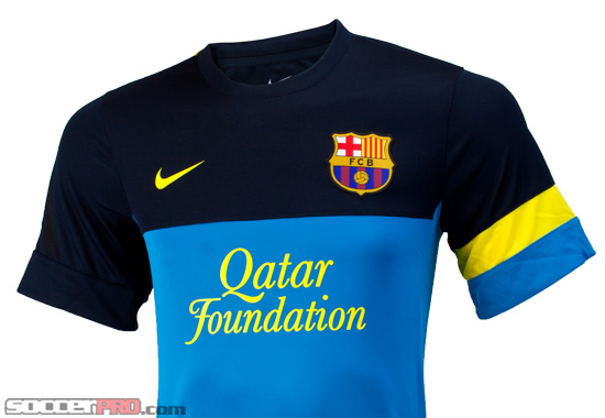 Nike Barcelona Training Top Review – Dynamic Blue with Dark Obsidian