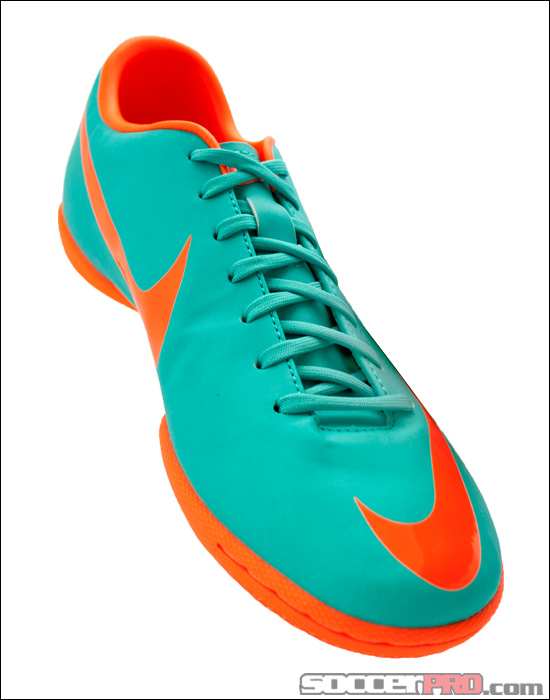 Nike Mercurial Victory III Indoor Soccer Shoes Review – Retro with Total Orange