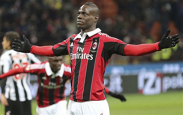 Mario Balotelli scores twice to help AC Milan win