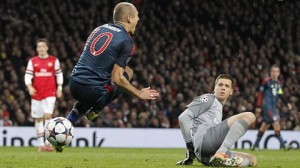 Robben goes down vs. Arsenal